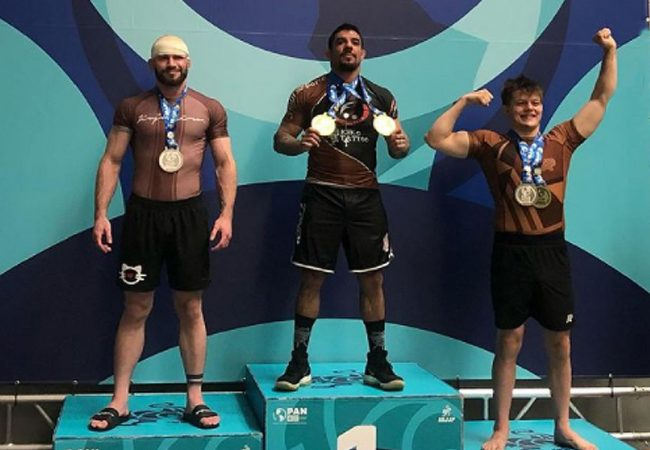 Absolute champion overcomes chest injury to win No-Gi Pan for 3rd time