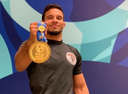 """No. 1 featherweight Esdras Jr celebrates Pan title: """"Surpassing my limits"""""""
