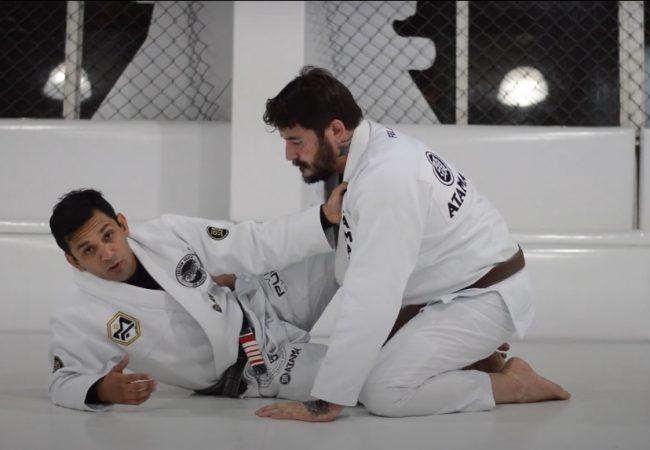 Mauro Ayres ensina a raspar o oponente maior na meia-guarda