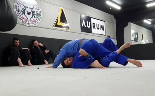 "A aula de Fabiano Papel sobre ""gangorrar"" no Jiu-Jitsu"
