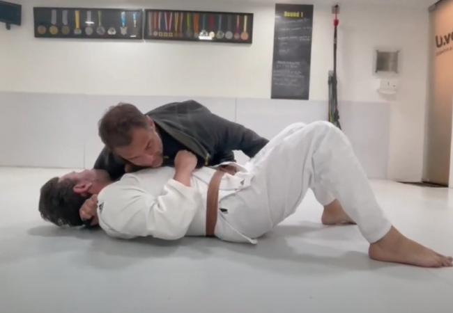 Léo Leite ensina estrangulamento com lapela que usou no Brasileiro de Jiu-Jitsu 2021