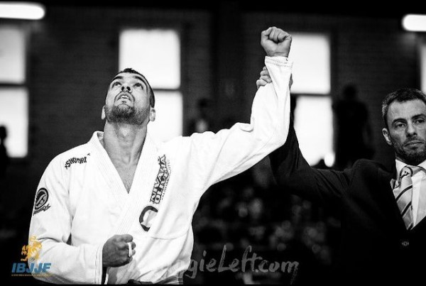 """Nivaldo Oliveira remembers victories, projects future: """"having my own gym"""""""